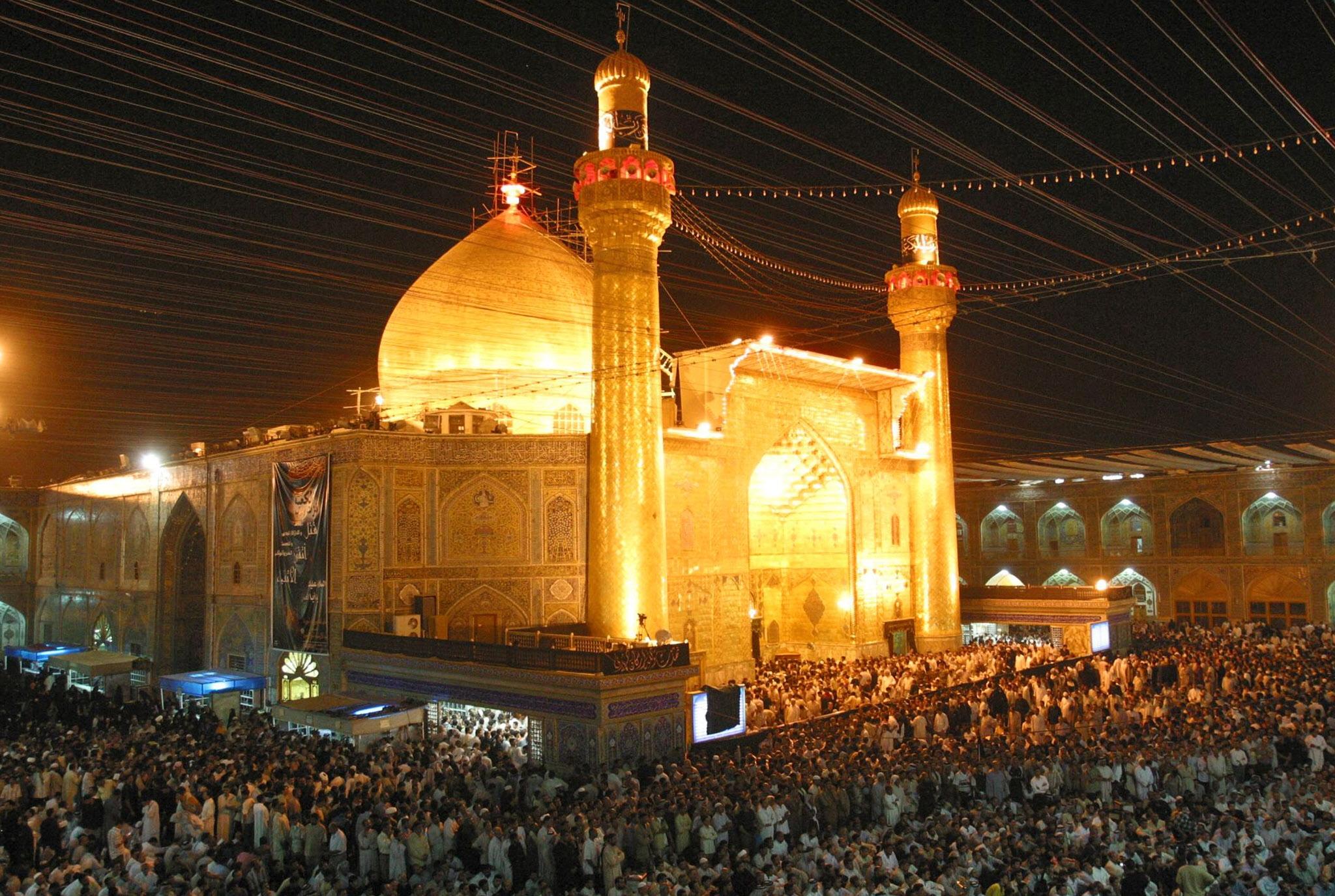 مشهد الإمام الحسين عليه السلام - ليلاً